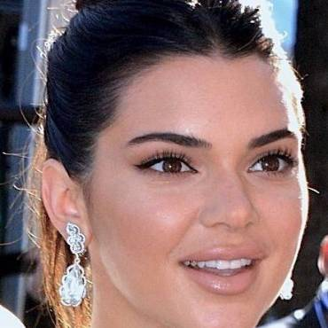 "Kendall Jenner Is Getting A New Show With Her ""Twin Brother""!"