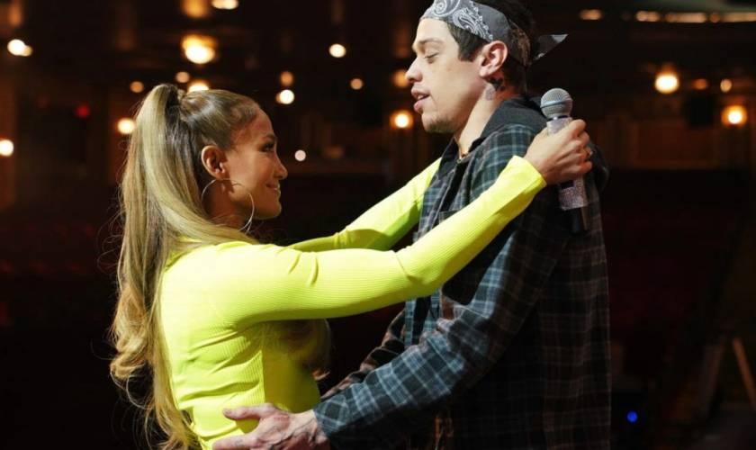 Jennifer Lopez Gets Caught 'Flirting' WithPete Davidson When A-Rod Barges InOn 'SNL'