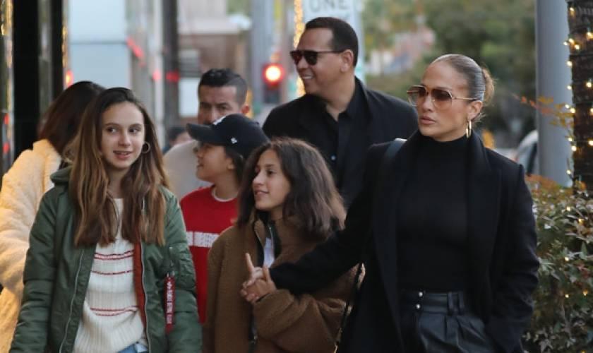 Jennifer Lopez & Alex Rodriguez EndureBlack Friday On Shopping Trip With TheKids