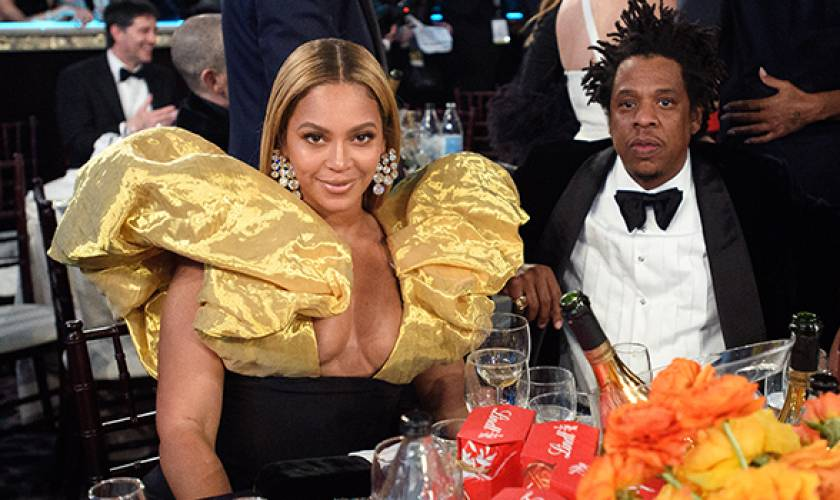 Beyonce Did Not Give Joaquin Phoenix AStanding Ovation For His Globes Win &The Beehive Is Behind Her