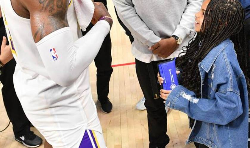Watch Blue Ivy Carter Get Adorably Starstruck While Meeting LeBron James